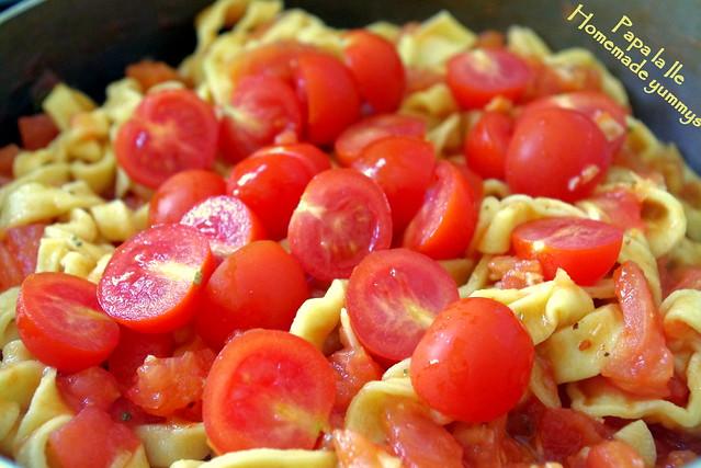 Paste proaspete cu rosii usturoi si busuioc (9)