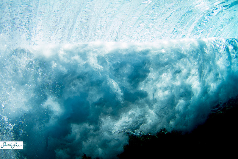 041-sarahlee-breaking_wave_underwater.jpg