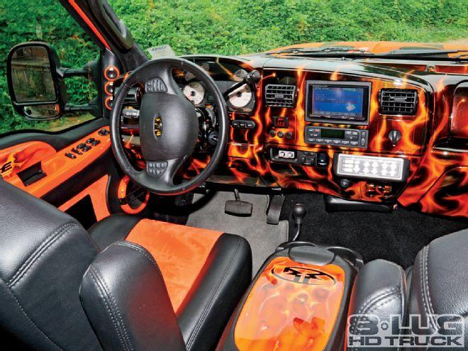 1103_8l_08+2006_ford_f350+dashboard