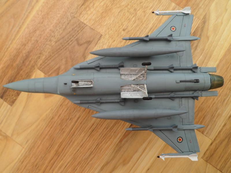 Les faucons de Mostar [General Dynamics F-16 XL Monogram] 9416553627_da7bbdf7bd_c