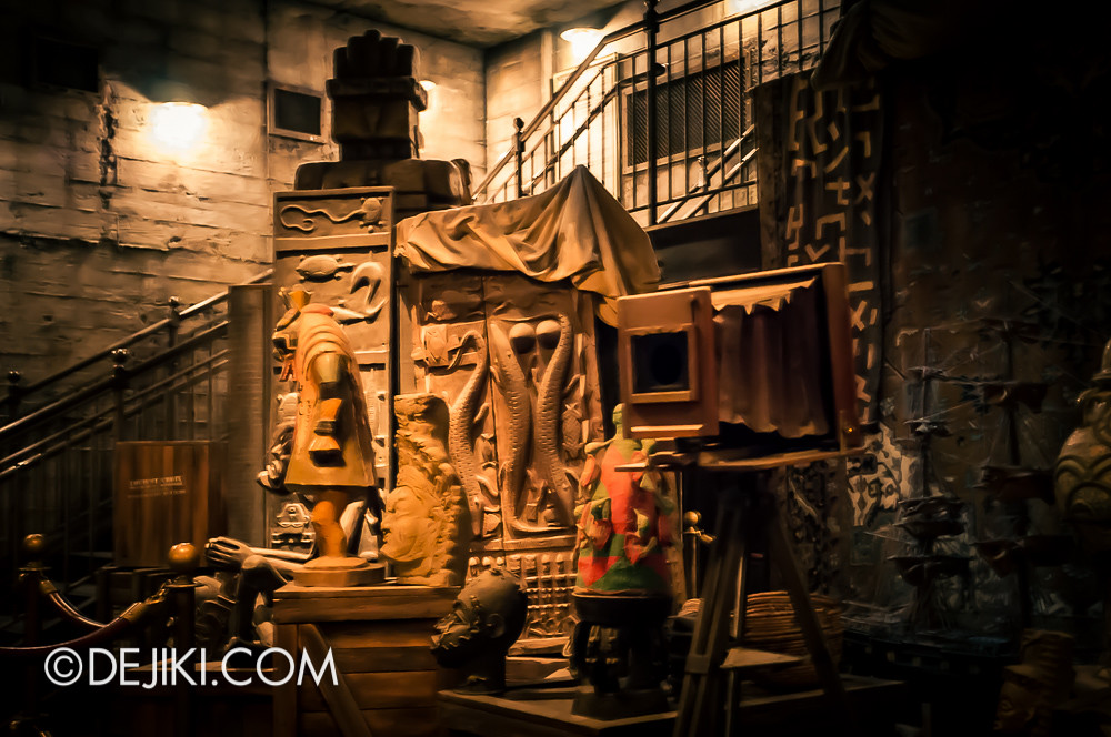 Tokyo DisneySea - Tower of Terror / The secret storage chamber 2
