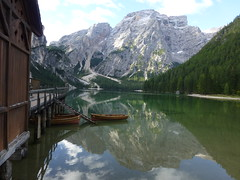 Boote auf dem Bergsee
