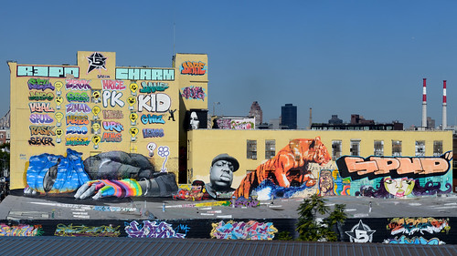 5Pointz from the 7 Train