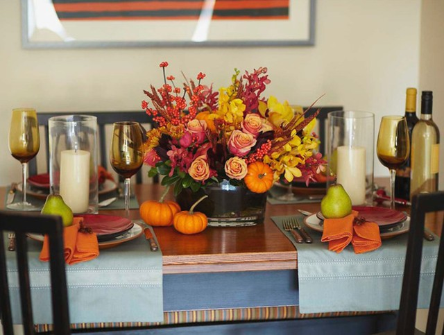 Living After Midnite: Holiday Dressing Your Table