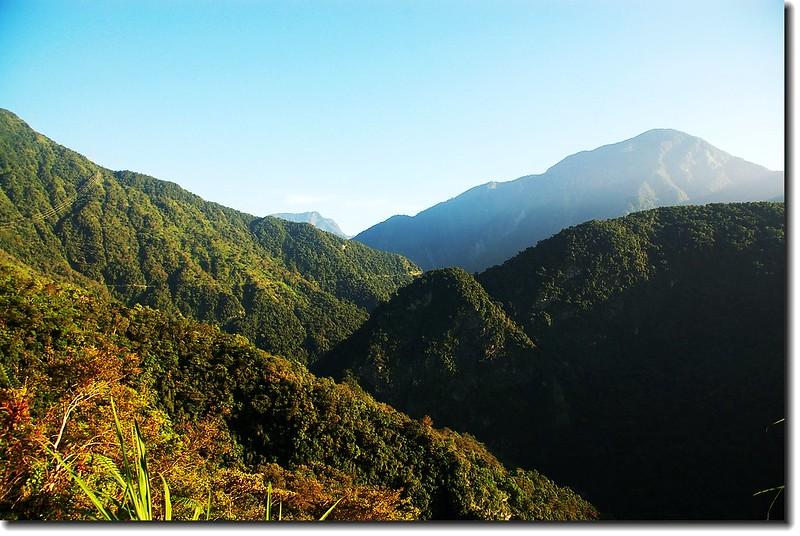 林道、山景