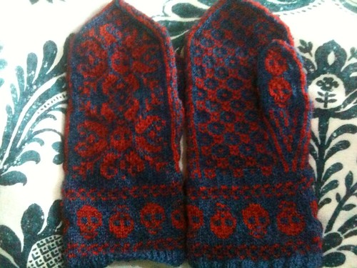 Finished Deathflake mittens