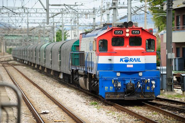 코레일 - 디젤 전기 기관차 7351호