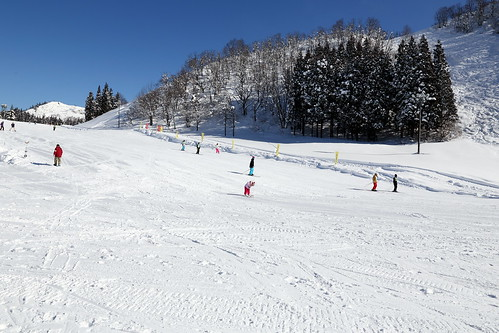 湯澤中里滑雪場