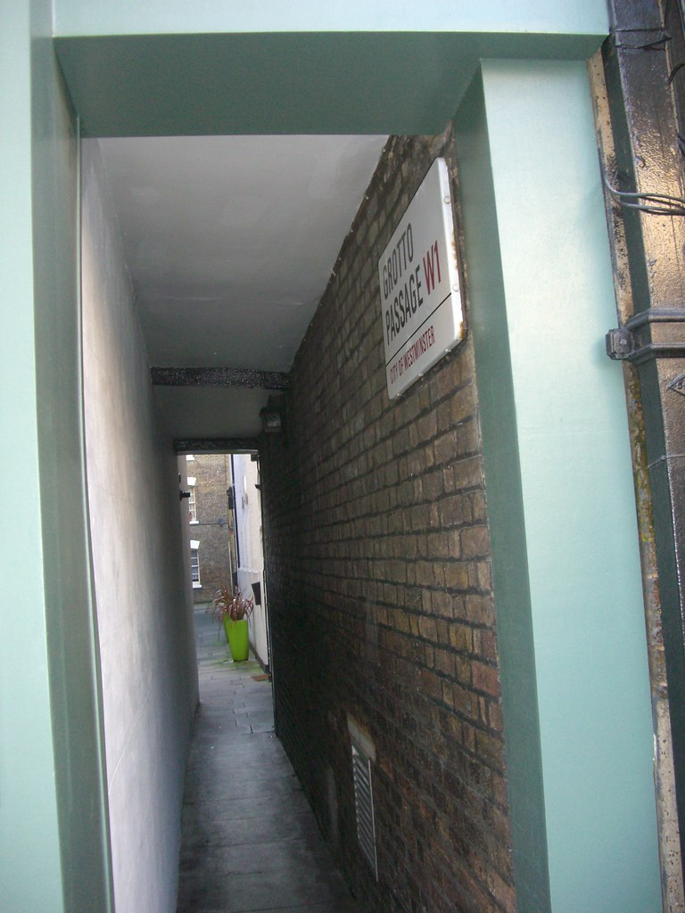 London Grotto Passage, W1