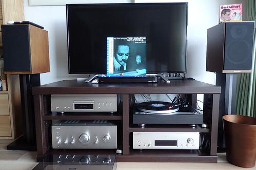 ONKYO CP-1050でレコードを聴く。
