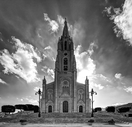 republicofmalta gozo europe church ghajnsielem architecture frontview blackandwhite