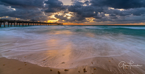 sony a7r2 sonya7r2 ilce7rm2 zeissfe1635mmf4zaoss fx fullframe longexposure scenic landscape waterscape oceanscape beach tropical sand waves pier sky clouds nature outdoors sunrise junobeach junobeachpier jupiter palmbeachcounty florida southeastflorida