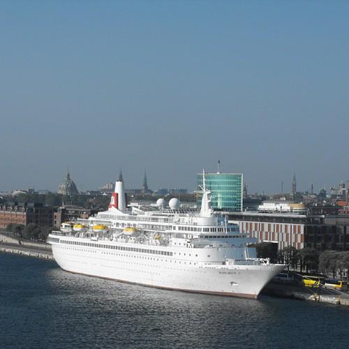 Copenhagen by chrisLgodden