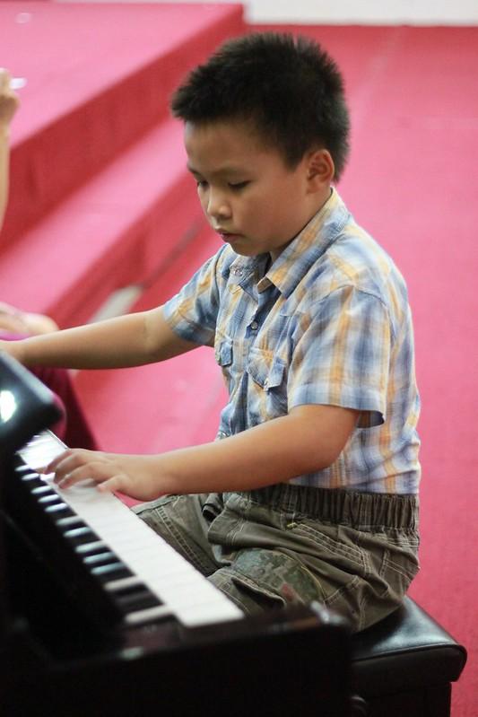 Tường Minh cũng xuất sắc với tiết mục piano
