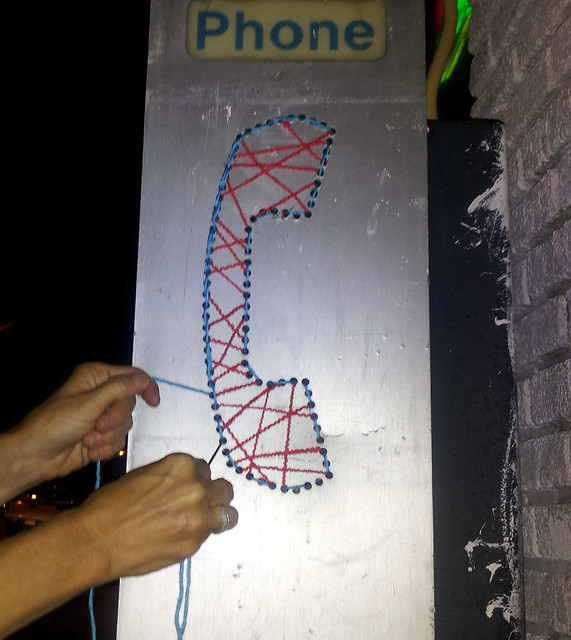 yarn-bomb-phonebooth4