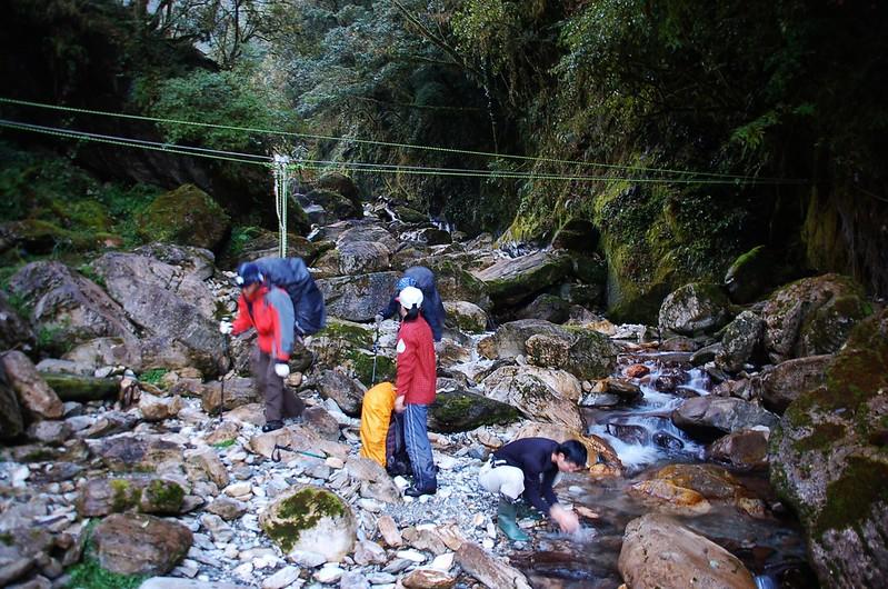 石洞營地溪谷