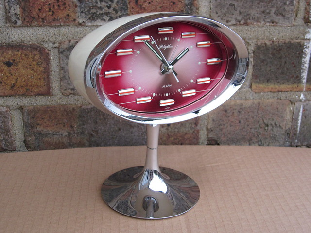 Mid Century Modern 1960's 70's Rhythm Japan Chrome & Metallic Red Space Age Mantle Clock