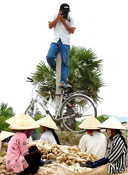 Khi Viet Nam .... chụp hình