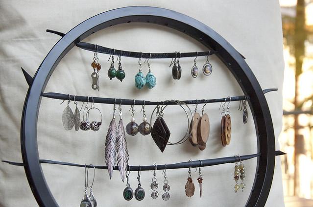 bike wheel earring holder