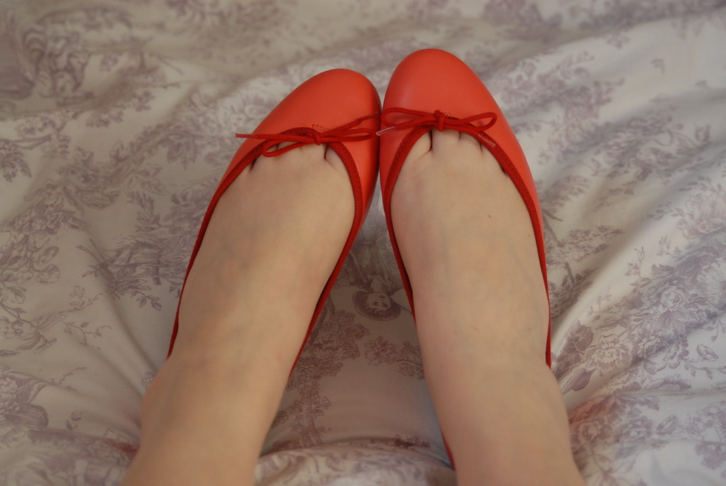 french-sole-red-ballet-pumps