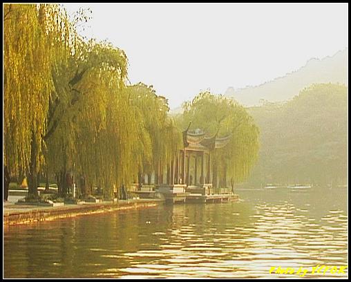 杭州 西湖 (其他景點) - 552 (西湖十景之 柳浪聞鶯 在這裡準備觀看 西湖十景的雷峰夕照 (雷峰塔日落景致)