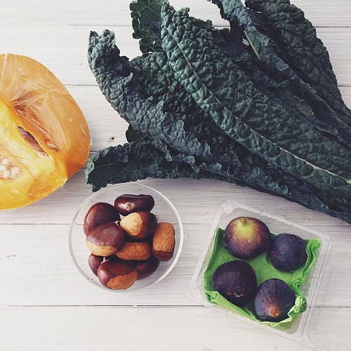 Chestnuts, figs, kale, pumpkin. File under good things about autumn. #seasonal #farmersmarket #buylocal #vscocam #vsco