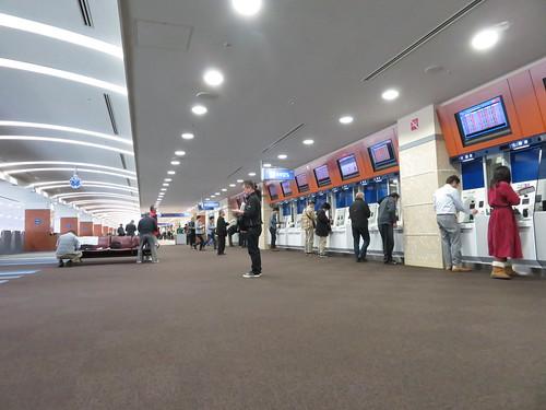 小倉競馬場の3階A指定席の投票所