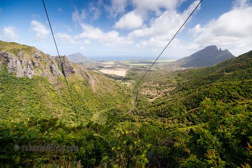 yemen magenta mauritius landscape electricitypylons rempartmountain cables rivertamarin henrietta valley vacoasphoenix plaineswilhemsdistrict mu