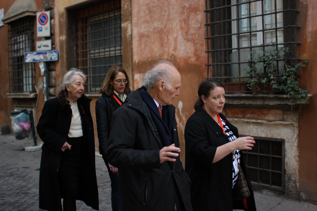 Roberto and Karin Einaudi (front left and back left) walk to Palazzo Santacroce with Sarina Bronfin '82 (back right), parent of Adam Bronfin (B.Arch. '18), and Serena Savino, director of AAP alumni affairs and development.  photo / Jessica del Mundo