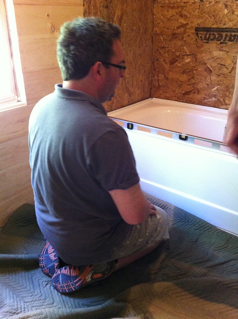 leveling the tub