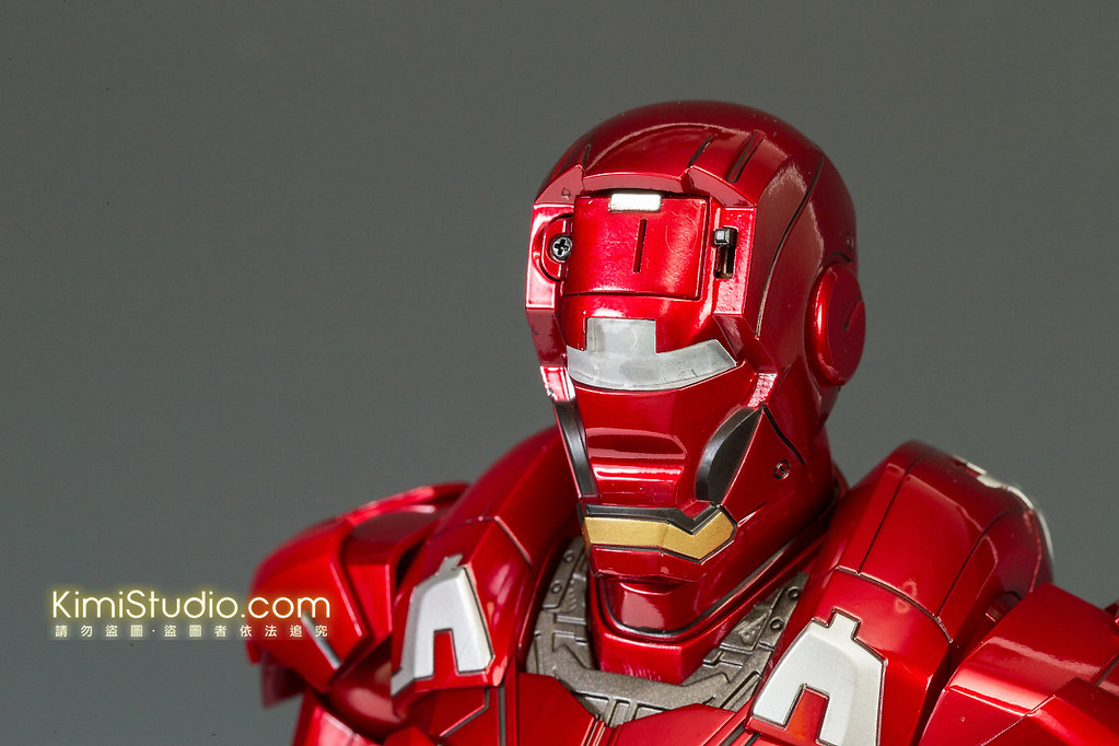 2013.06.11 Hot Toys Iron Man Mark VII-034