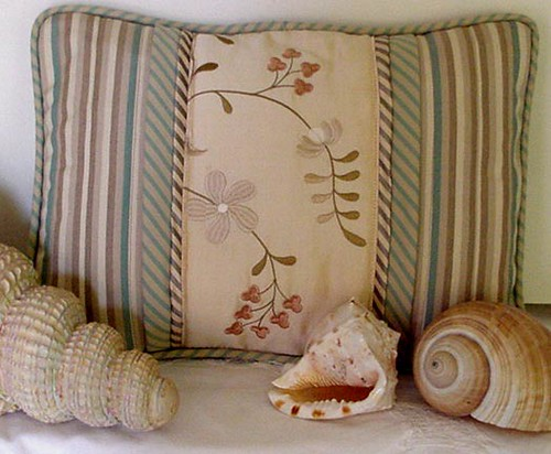 Moms Pillow-with SHELLS-6.3x5-Two