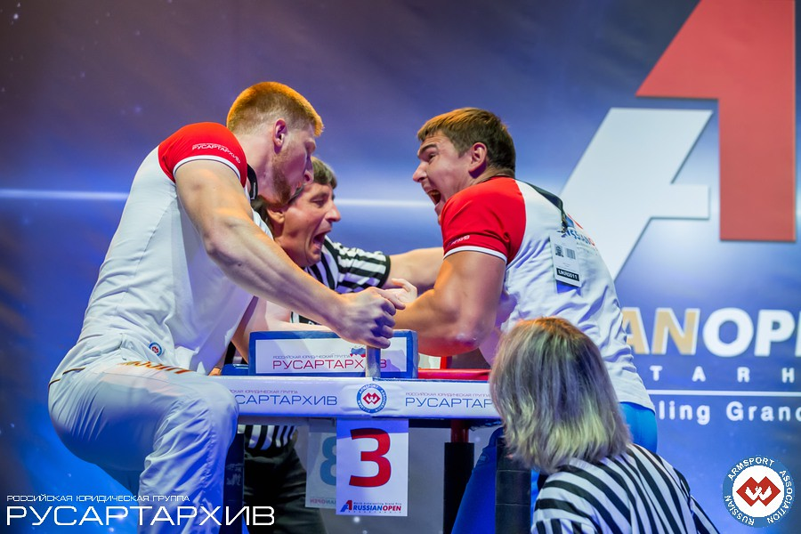 Artem Taynov winning - left hand │ A1 RUSSIAN OPEN 2013, Photo Source: armsport-rus.ru
