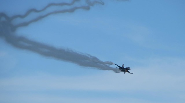 F16 - Airbourne 2013