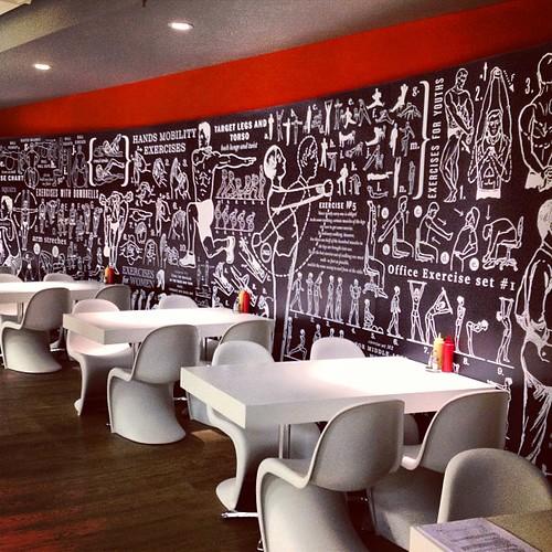 #kaspersky #moscow #москва #касперский рисунки в столовой призывают есть меньше и больше тренироваться