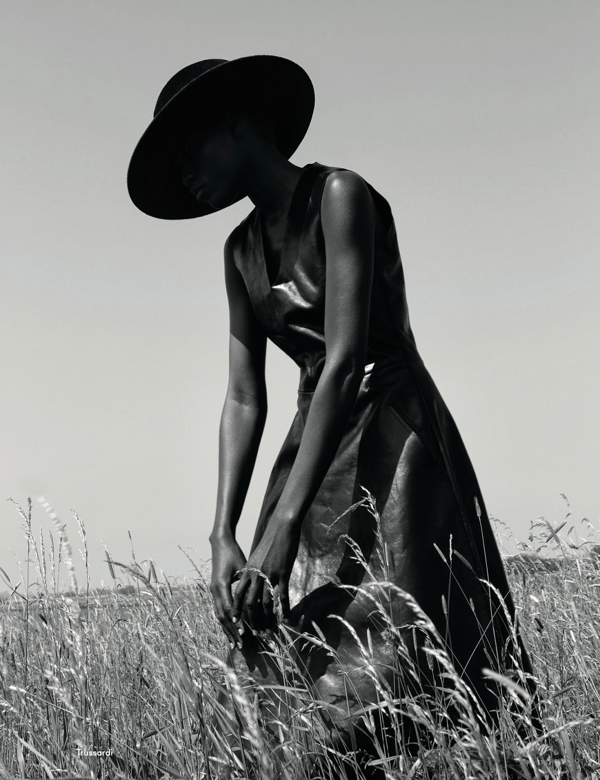 Kin_e_Diouf_by_Viviane_Sassen_It_s_My_Turn_AnOther_Autumn_Winter_2013_