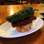 El Cable: Chorizo and fried green peppers