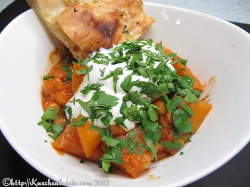 Kürbis-Steckrüben-Curry mit Würzfladenbrot (1)
