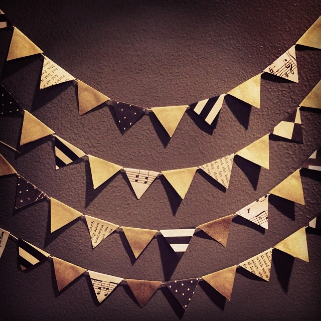 Gold, black and white mini bunting #robayre