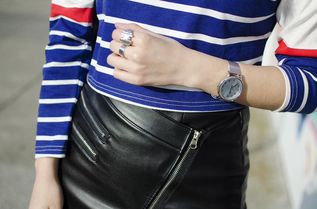 mini leather skirt with zippers, how to style leather mini, striped long sleeve top, readytwowear, mallory and whitney
