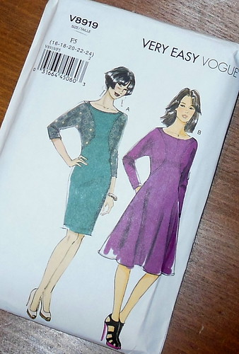 Vogue 8919 by becky b.'s sew & tell