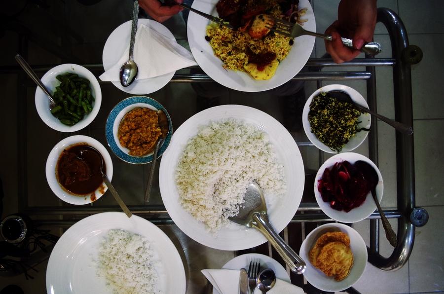 rice & curry in sri lanka