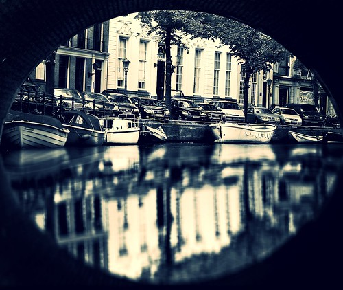 bridge cruise white black reflection monochrome amsterdam boats canal arch view framed