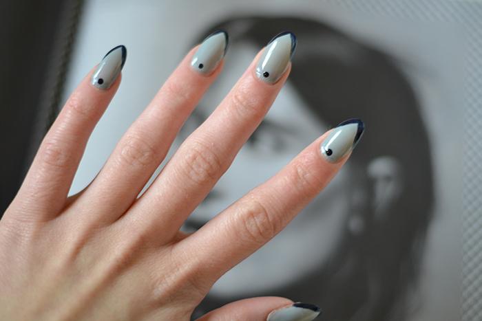 Monday Manicure 1302