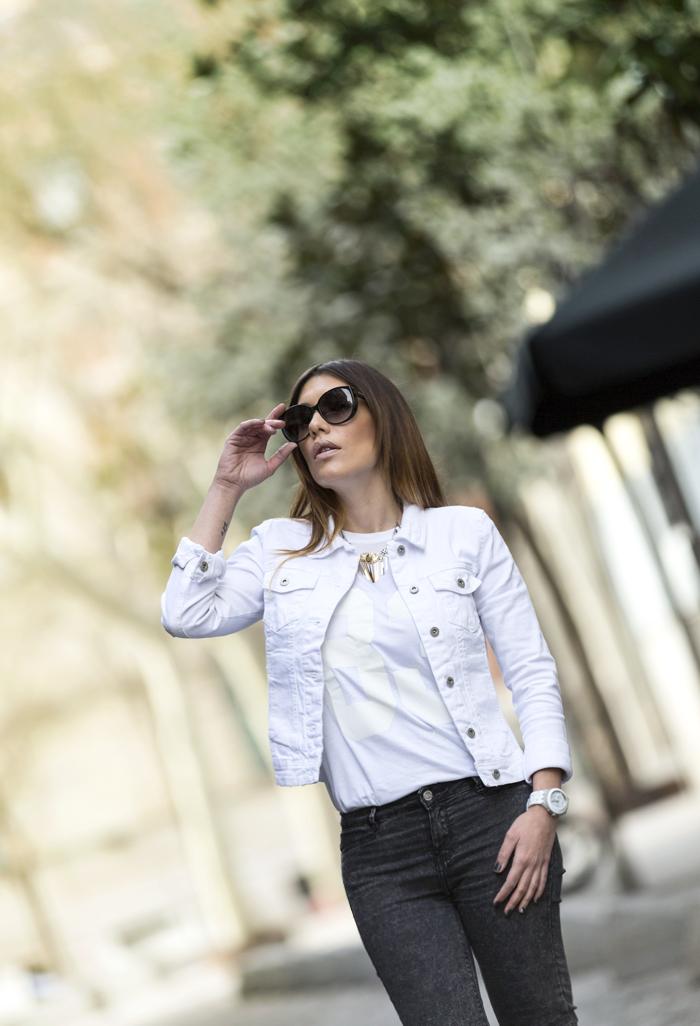 street style barbara crespo white denim jacket cyprea.es fashion blogger outfit blog de moda