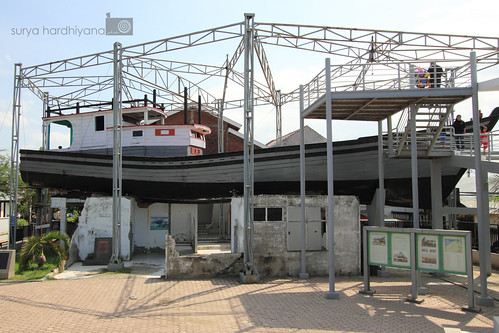 Kapal Di Atas Rumah di Lampulo, Aceh