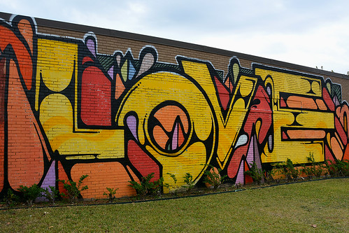 2016houstonweekend houston houstontx texas usa outdoor street streetviews streetscene streetlife art artwork mural murals colour colours love yellow orange red graffiti norhill frameitlevel01