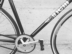 The essentials #cinelli #vigorelli #columbusofficial #trackbike #steelframe #fixedgear #fixedforum #steelisreal #mquadro #challengetires