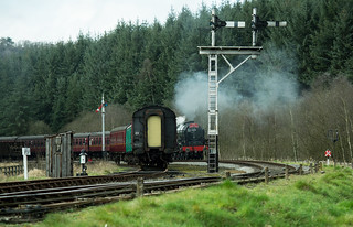 20170330-56_The Royal Scot Engine 46100 leaving Levisham Station