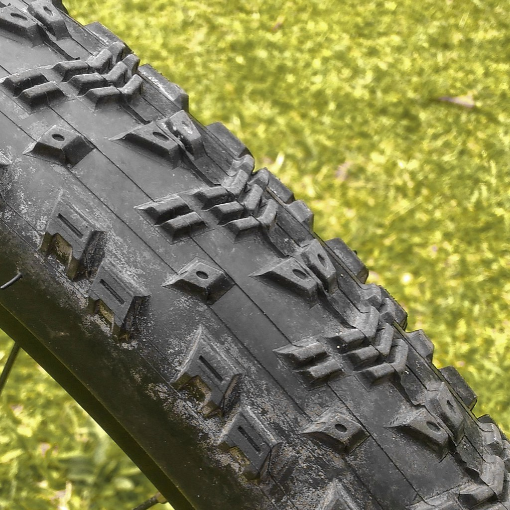 Kevlar-Beaded Fast-Rolling XC Tyre